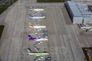 Der Flugplatz Hamburg-Findenwerder mit einigen bereitstehenden Flugzeugen.