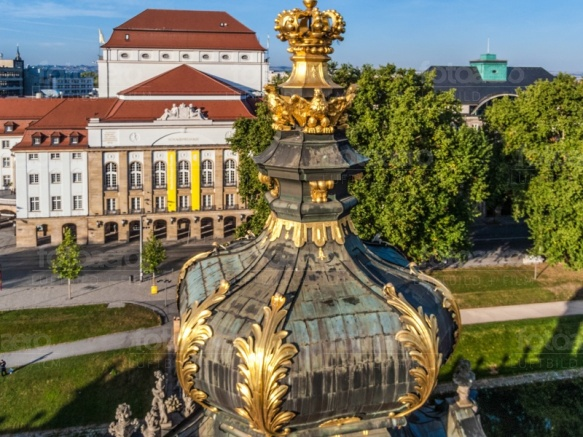 Spitze des Kronentors vom Dresdner Zwinger im Bundesland Sachsen