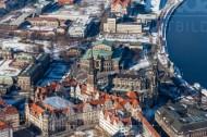 Schneebedeckte Altstadt von Dresden im Bundesland Sachsen