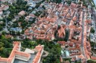 Die historische Altstadt Pirna im Bundesland Sachsen mit Blick auf das Schloß Sonnenstein.