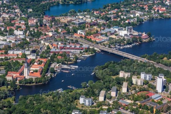 Die Nuthestraße führt von Babelsberg in die nördliche Innenstadt von Potsdam.