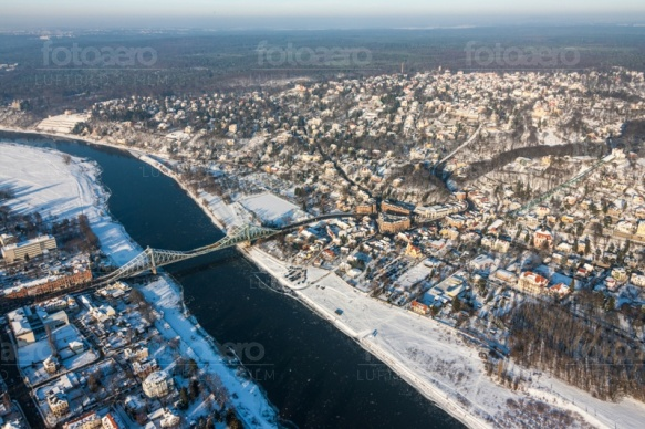 Dresdner Elbtal im Winter im Bundesland Sachsen