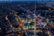 Fernsehturm und Alexanderplatz in der Hauptstadt Berlin.