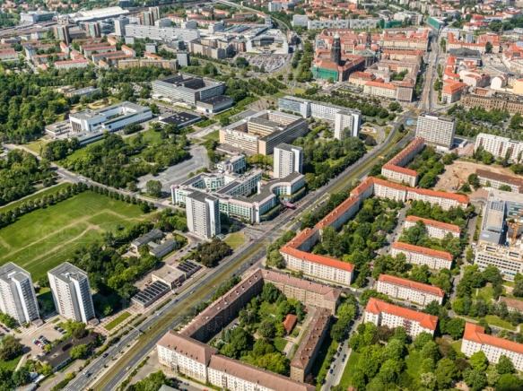 Blick auf die Grunaer Straße in Dresden bei Sachsen.