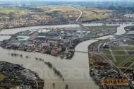 Dresden im Hochwasser 2006.