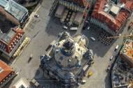 Draufblick auf die Frauenkirche in Dresden.