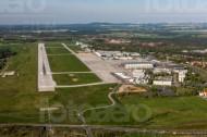 Flughafen Dresden und die Ortsschaften Klotzsche und Weixdorf im Bundesland Sachsen