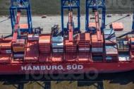 Ein Schiff der Hamburg Süd voll beladen.