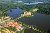 Blick auf das Schloss Moritzburg, Richtung Wald