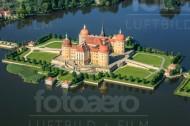 Blick auf das Schloss Moritzburg im Bundesland Sachsen