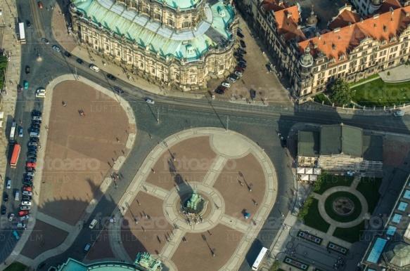 Der Theaterplatz in Dresden bei Sachsen.