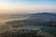Berge der Sächsischen Schweiz im Nebel im Bundesland Sachsen