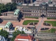 Staatsschauspielhaus Dresden und der Zwinger in der Altstadt von Dresden im Bundesland Sachsen