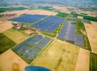 GroÃ?es Solarfeld in Stephansposching bei Plattling.
