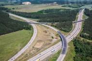 Die Autobahn des Berliner Rings kreuzt die A115.