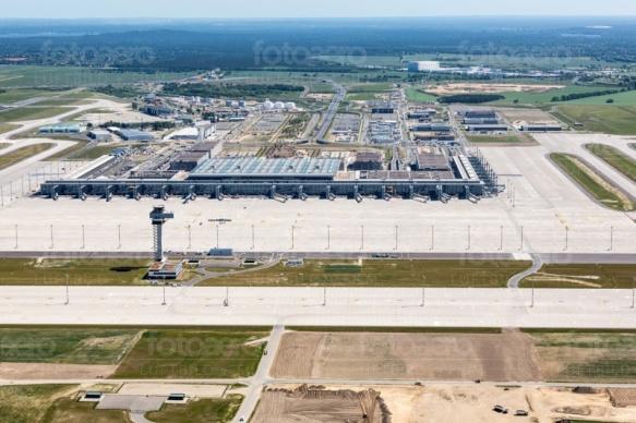"""Flughafen Berlin Brandenburg """"Willy Brandt"""" in der Hauptstadt Berlin"""