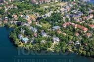 Blick über den Heiligen See zur Berliner Vorstadt in Potsdam.