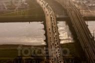 Marienbrücke über der Elbe bei Dresden im Bundesland Sachsen