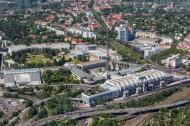 Berliner Ortsteil Westend mit dem Messegelände dem internationalen Congress-Zentrum und einem Teil der Bundesautobahn 100.