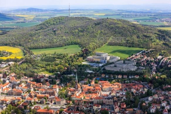 Löbau mit Löbauer Berg in der Oberlausitz im Bundesland Sachsen