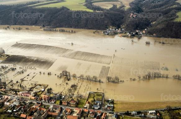 Elbehochwasser bei Dresden im Bundesland Sachsen