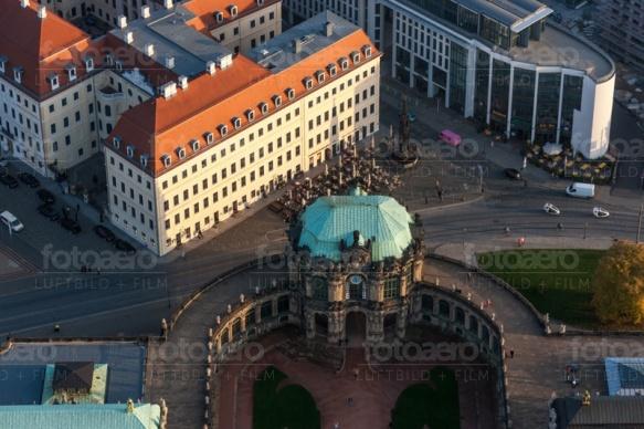Der Zwinger in der Dresdner Altstadt bei Sachsen.