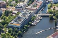 Märkisches Ufer mit Inselbrücke in Berlin Mitte.