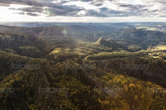 Berglandschaft der Sächsischen Schweiz bei Krippenberg im Bundesland Sachsen